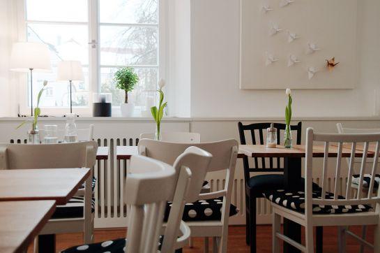 Stadt Regensburg - Das Haus - Café anton